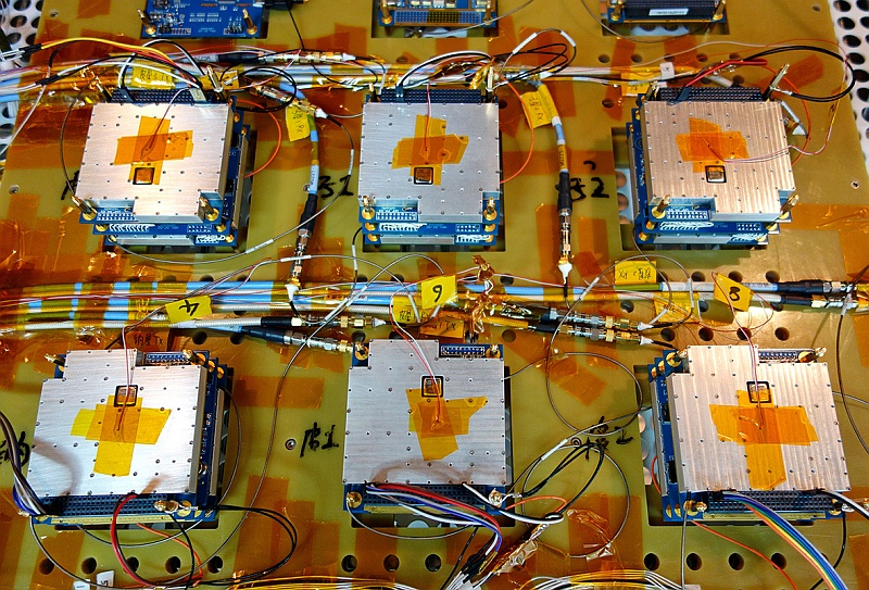 Six amateur radio payload flight modules of XW-2 in thermal vacuum test