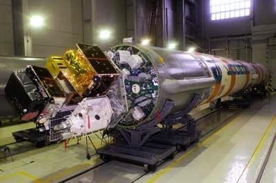 alle Satelliten auf der Trägersstruktur der Kosmos-3M Rakete